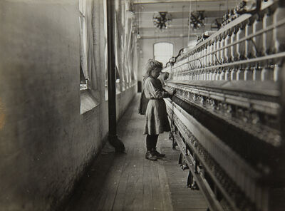 Lewis Wickes Hine, 'One of the little spinners working in a South Carolina Cotton Mill', 1908