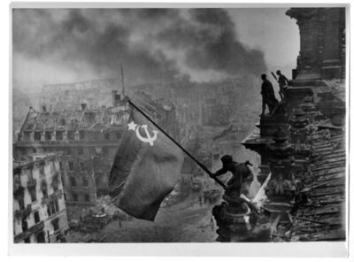 Yevgeny Khaldei, 'Soviet flag Over the Reichstag', 1945