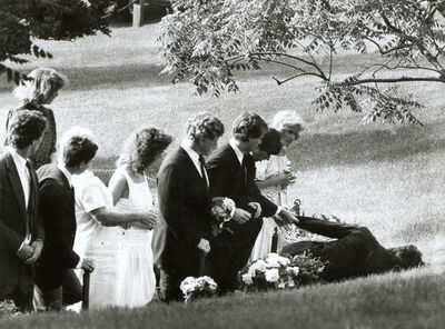 Barry L. Thumma, 'Kennedy Gravesite Affects Family', 1984