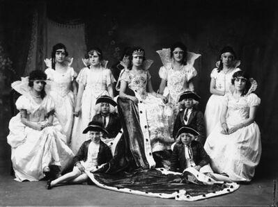 Martín Chambi, 'Ritratto in costume vittoriano', anni 1930
