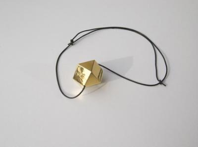 Maria-Carmen Perlingeiro, ' Polyèdre (necklace)', 2017
