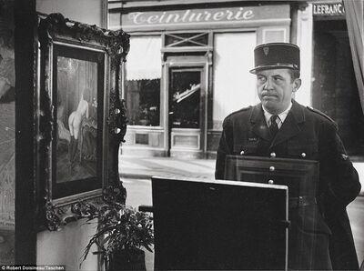 Robert Doisneau, 'Un Regard Oblique, in front of the Gallery Romi, Rue de Seine, Paris', 1948/1980
