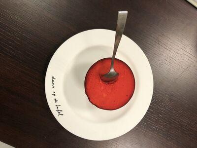 dans op de tafel, 'Dessert #1', 2020