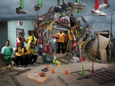 NICOLAS HENRY, 'PATRICK JAMPO, L'EQUIPE DE FOOTBALL ET LE CHIEN', 2010