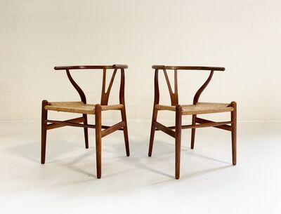 Hans Jørgensen Wegner, 'Model CH24 Wishbone Chairs, pair', 1950s