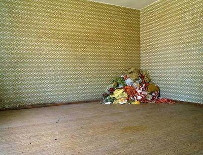 Katherine Newbegin, 'Bungalow und Zimmer I', 2005