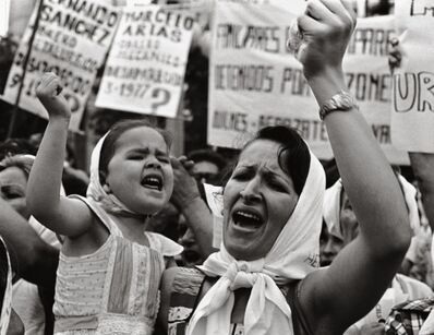 Adriana Lestido, 'Mother and daughter in Plaza de Mayo(Madre e Hijas de Plaza de Mayo)', 1983