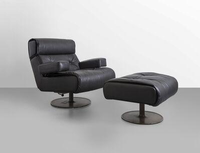 Osvaldo Borsani, 'A revolving oscillating 'P103' armchair and footrest', 1965