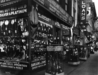 Berenice Abbott, 'Stuyvesant Curiosity Shop', 1934