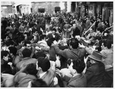 Tazio Secchiaroli, 'Clash between Unita's workers and young fascists', 1953