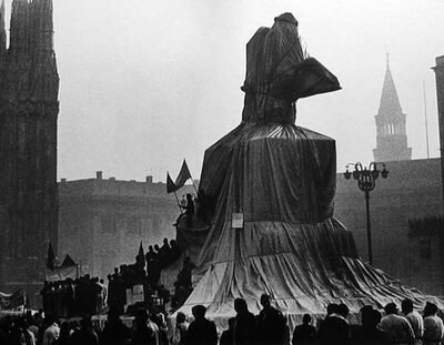 Ugo Mulas, 'Christo's Wrapped Monument to Vittorio Emanuele', 1970