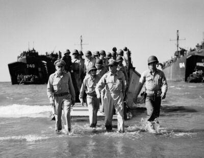 Carl Mydans, 'General Douglas MacArthur landing at Luzon, Philippines', 1945