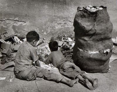 Rodrigo Moya, 'Lectura basura', 1959