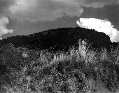 Manuel Álvarez Bravo, 'Montana Negra, Nuba blanc', 1970