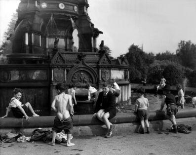 Harry Benson, 'Glasgow Boys in Fountain', 1956