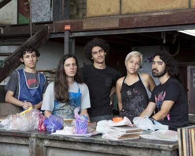 André Penteado, 'Giovanni, Lucas, Philip, Beatriz and Yuji, students of the School of Fine Arts of UFRJ (series Missão Francesa)', 2017