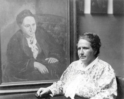 Man Ray, 'Gertrude Stein con un ritratto di Picasso', 1922