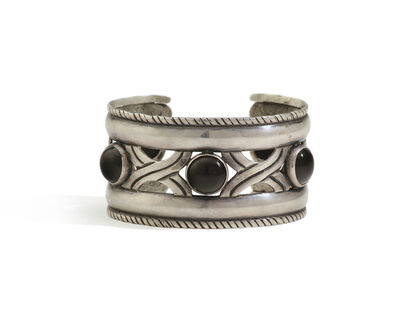 Hector Aguilar, 'A Hector Aguilar sterling and onyx cuff bracelet', 1940-1948