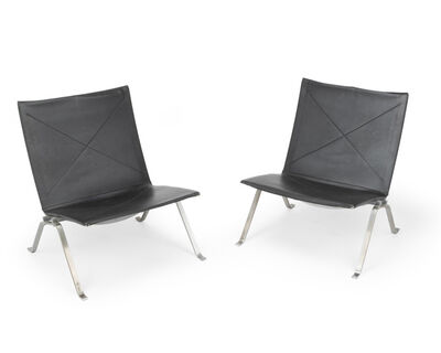 Poul Kjærholm, 'A pair of PK22 side chairs'