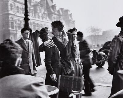 Robert Doisneau, 'Le baiser de l'Hôtel de Ville', 1950