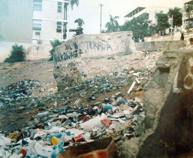 Carlos Garaicoa, 'C es la piedra del terror, la piedra filosofal?', 2001