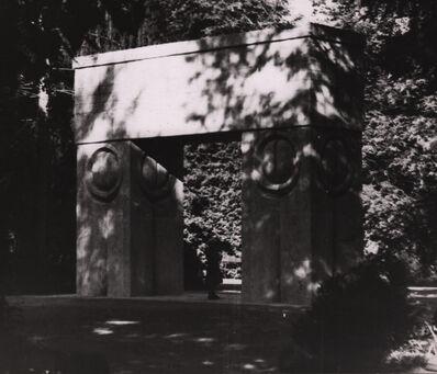 Constantin Brâncuși, 'Gate of the Kiss (1)', 1937-1938