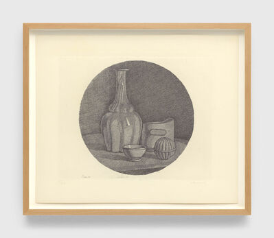 Giorgio Morandi, 'Grande natura morta circolare con bottiglia e tre oggetti (Large circular still life with bottle and three objects)', 1946