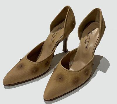 Nicola Costantino, 'Zapatos de tacos altos de tetillas masculinas', 2000