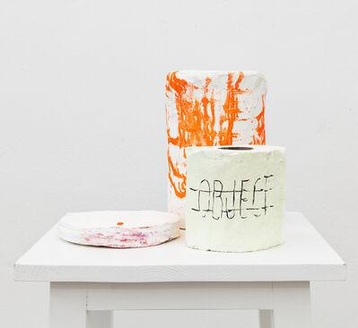 Joëlle Tuerlinckx, 'SELLE DE SCÈNE (II) 'Objets de scène' : les Rols - série scénique'', 2015