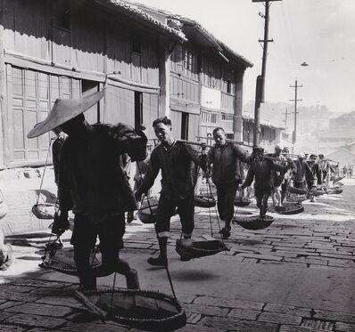 Agnès Varda, 'Chine, porteurs de briques', 1957