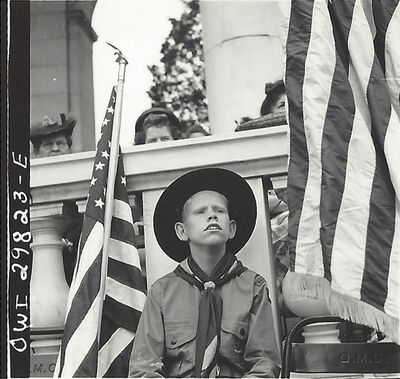 Esther Bubley, 'Arlington Cemetery (Boy)', 1943