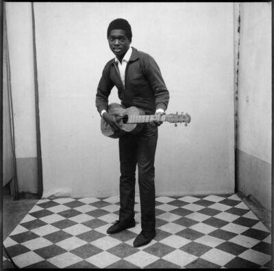 Malick Sidibé, 'Un musicien avec sa guitare', 1963