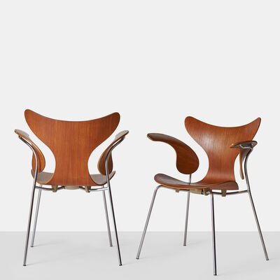 Arne Jacobsen, 'Pair of Arne Jacobsen Armchairs, the Lily, Model 3208', ca. 1970