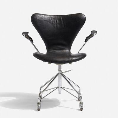 Arne Jacobsen, 'Sevener desk chair, model 3117', 1955