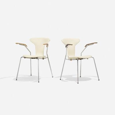 Arne Jacobsen, 'Sevener Chairs Model 3107, Pair', 1955