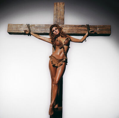 Terry O'Neill, 'Raquel Welch On The Cross '
