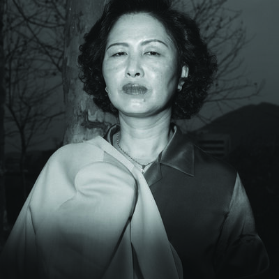 Heinkuhn Oh, 'Ajumma Puts a jacket on her shoulder, March 27 ', 1997