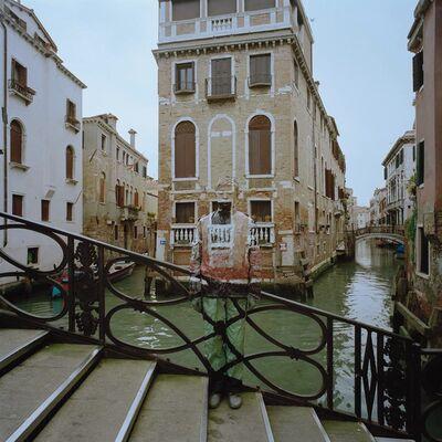 Liu Bolin, 'Hiding in Italy. Ponte dei Conzafelzi Venezia', 2010