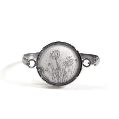 Nicolette Absil, 'Dried Flowers Tension Cuff'
