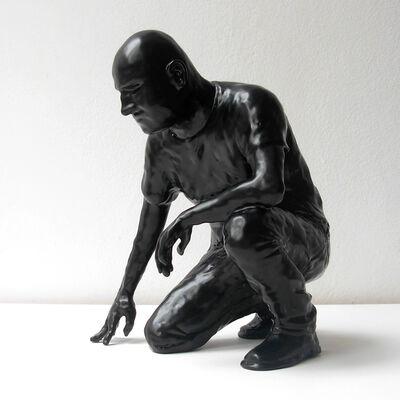 Gustavo Rezende, 'Maxwell agachado   ', 2016
