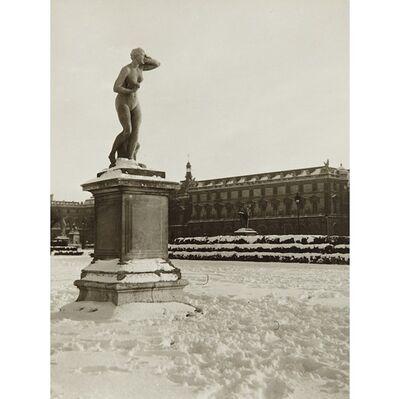 Robert Doisneau, 'Gardens of the Louvre', 1930