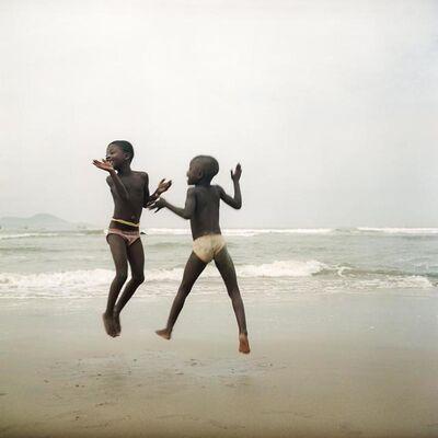 Denis Dailleux, 'Deux sœurs sur une plage d'Apam, Ghana', 2012