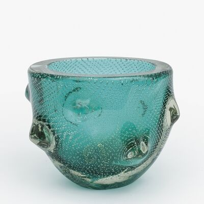 Seguso Vetri D'Arte Murano, 'A mugnoni vase in green glass with bubbles and gold leaf'