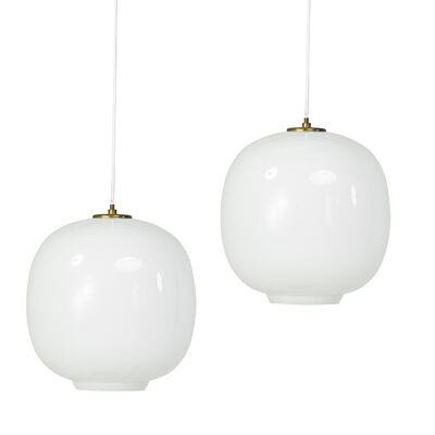 Vilhelm Lauritzen, 'Pair of large Radiohus pendant lamps'