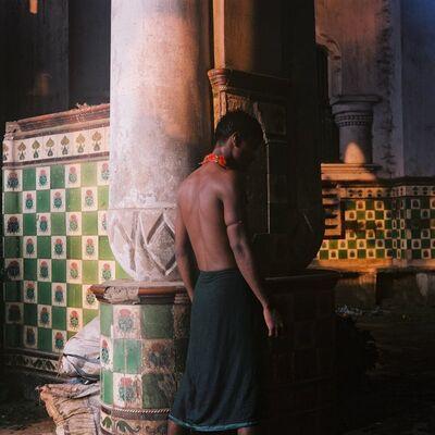 Denis Dailleux, 'Le dos au marché aux fleurs, Calcutta', 2019