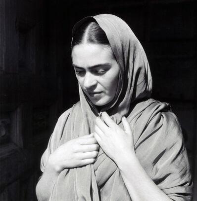 Fritz Henle, 'Frida Holding Her Shawl', 1936