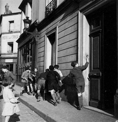 Robert Doisneau, 'La sonnette', 1934