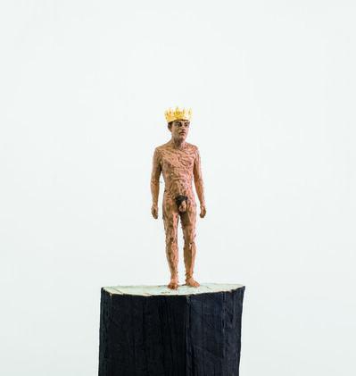 Stephan Balkenhol, 'Nackter Mann mit goldener Krone (Naked man with golden crown)', 2015