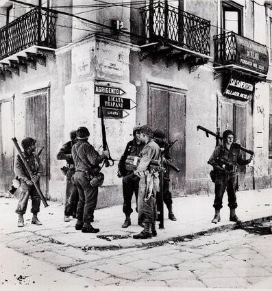 Robert Capa, 'U.S. bazooka crew in Sicily', 1943