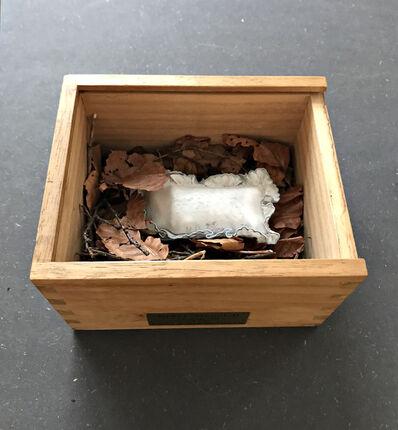 """Meret Oppenheim, '""""Le Cocon"""" (il vit) objet porte-bonheur', 1974"""